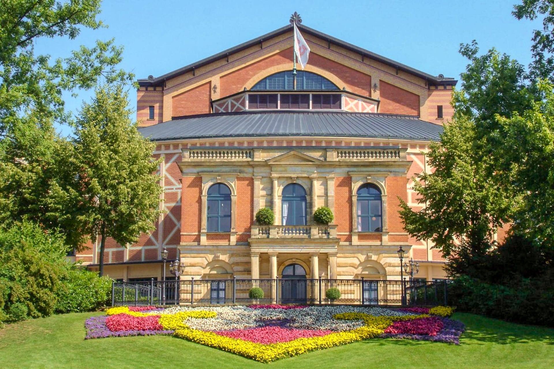 festspielhaus-bayreuth-marketing-tourismus-gmbh